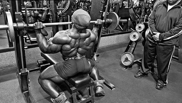"""тренируют мышцы совершать """"большой обьем"""" силовой работы с минимальным отдыхом"""