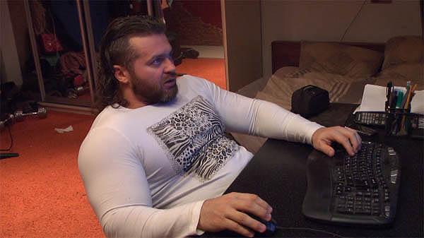 Денис Борисов за компьютером